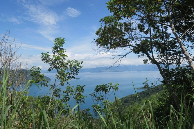 Ilha Grande Hiking Tour
