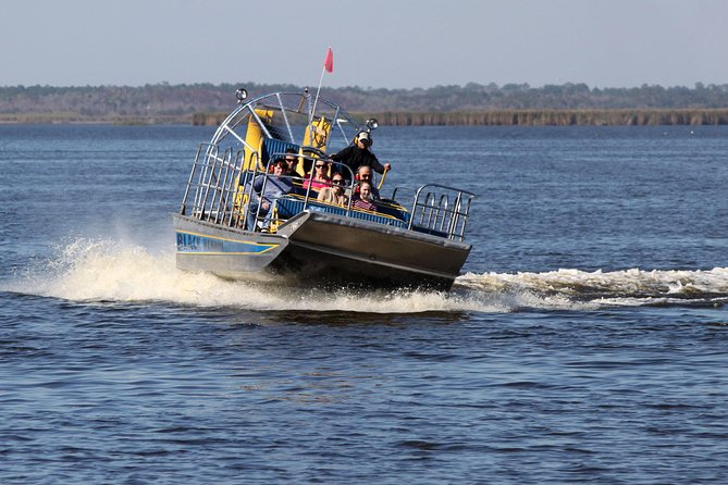 Airboat Ride and Lunch Day Trip with Transportation from Orlando