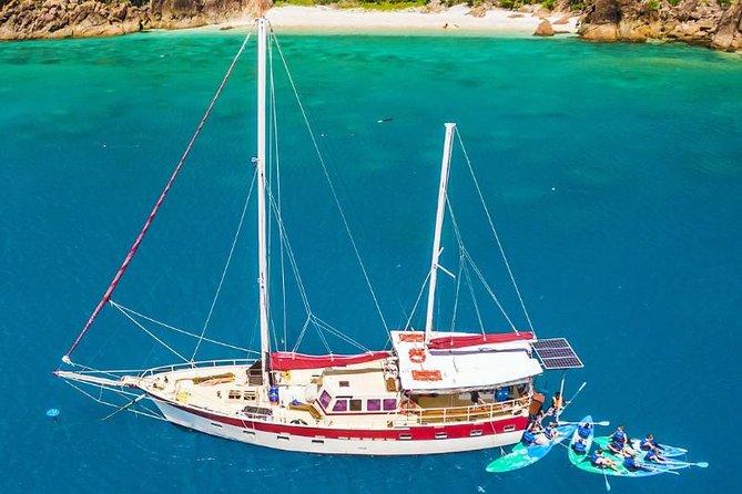 2-Day Whitsundays Sailing Adventure: SV Whitehaven