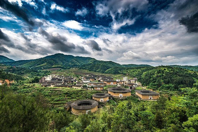 Tour Guide and Car: Private Day Tour to Chuxi Tulou from Xiamen