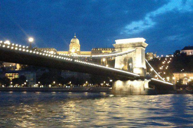 New Year's Eve Dinner Cruise in Budapest, Budapest, HUNGRIA
