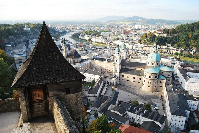Private 2-hour Walking Tour of Salzburg with official tour guide