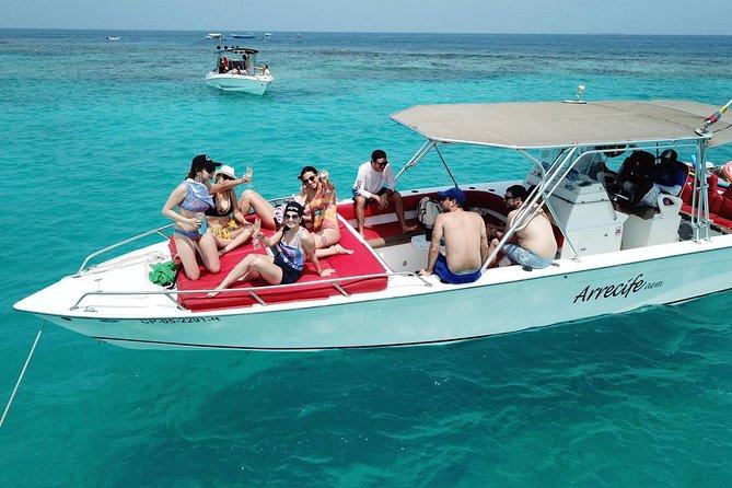 Luxury Private Boat Full Day To Rosario Islands, Cholon cove , Baru