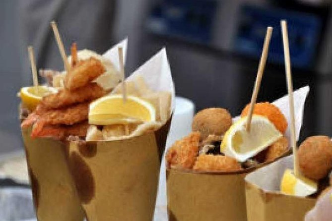 walking tour to discover street food