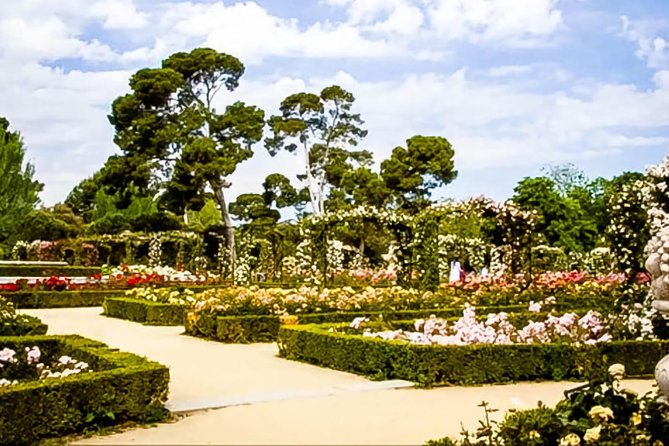 Madrid: Tour of the Royal Palace and Retiro Park photo 4