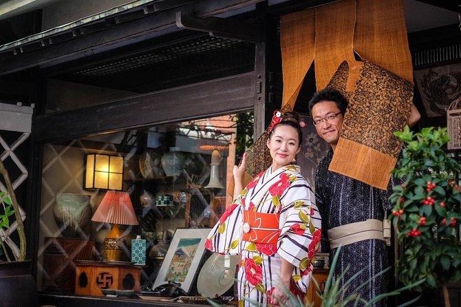 tourist spots in kimono, make tranditional teacake Higashi and drink matcha