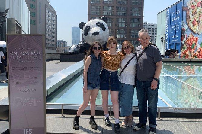 Chengdu Panda Base, Panda Post, Panda Sculpture