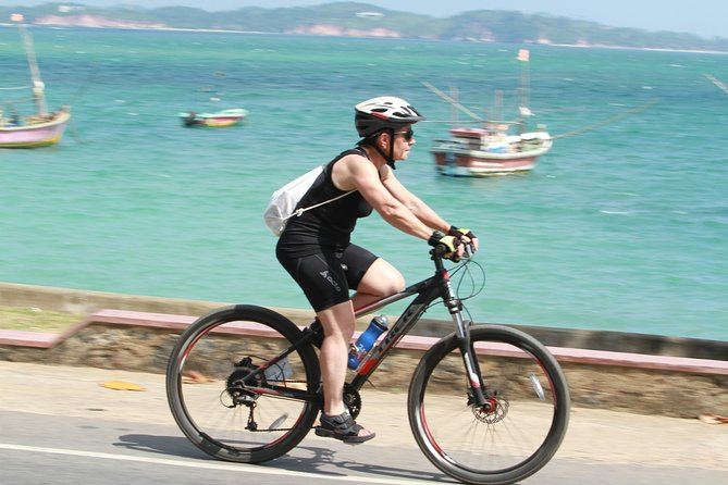 Countryside cycling expedition and southern street food – Galle