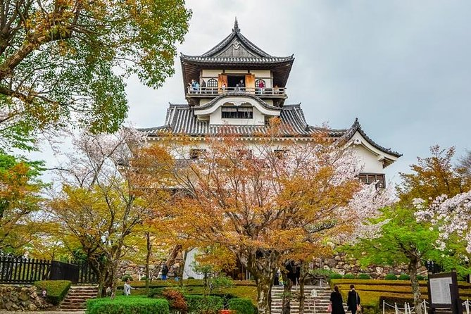 Private Tour - See the National Treasure Inuyama Castle! Explore history!
