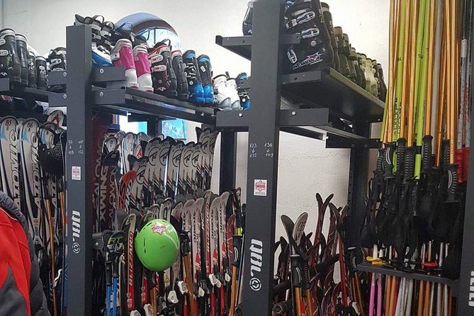 1 day Ski and Snowboard equipment rental in Borovets