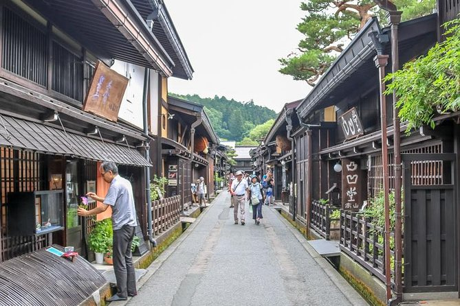 Private Tour - Tradition and history in Takayama! Make new discoveries!