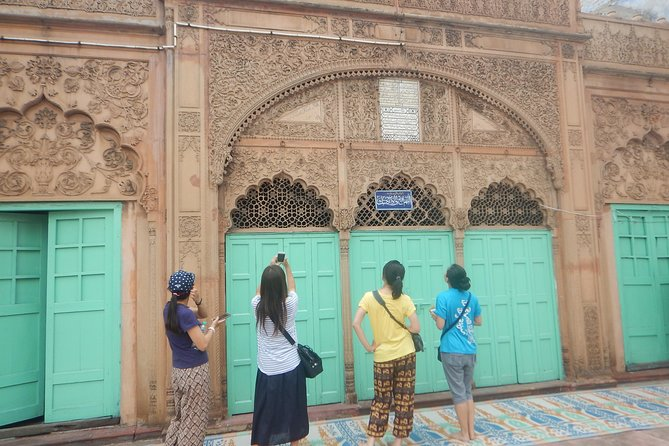 Old Delhi Bazaar and Heritage Walk (Full Day Tour) photo 25