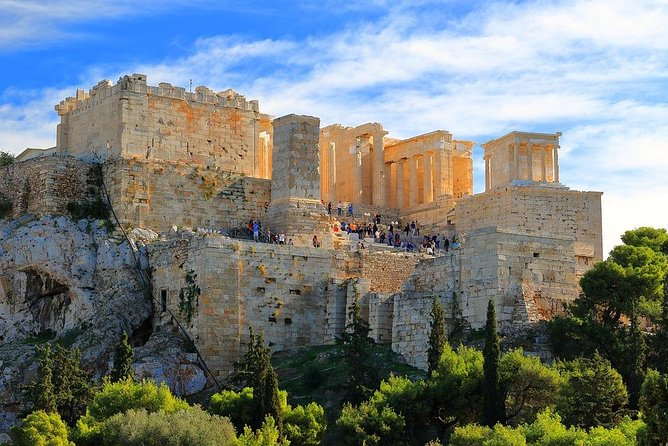 Arrival Private Transfer: Athens Rafina Port to Athens City by Luxury Van