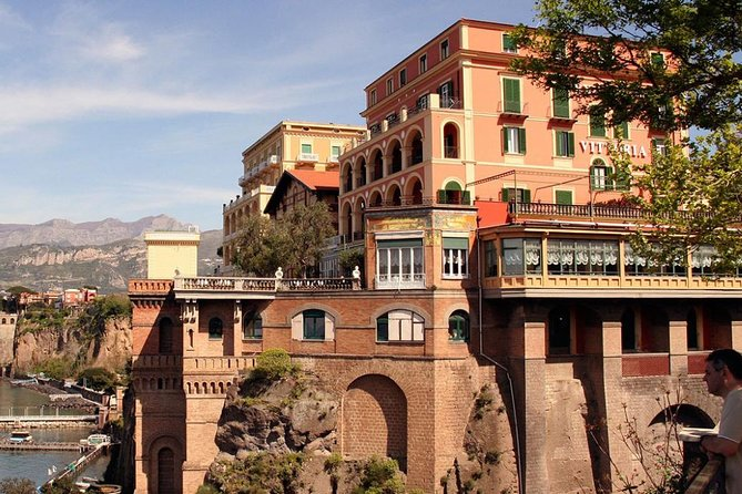 Transfer from Naples to Sorrento with stop at Pompeii or Vice Versa photo 2