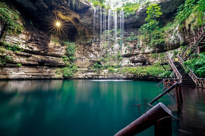 Complete tour to Chichén Itzá, Valladolid and a Mayan Cenote for the best price photo 9