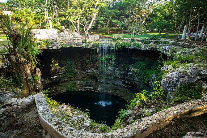 Chichén Itzá Tour with the visit to Valladolid and a Cenote for the best price photo 3