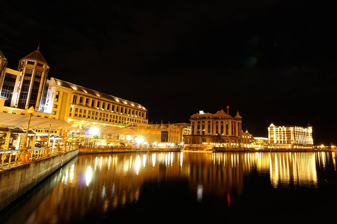 Night Tour Of Mauritius | With private chauffeur guide