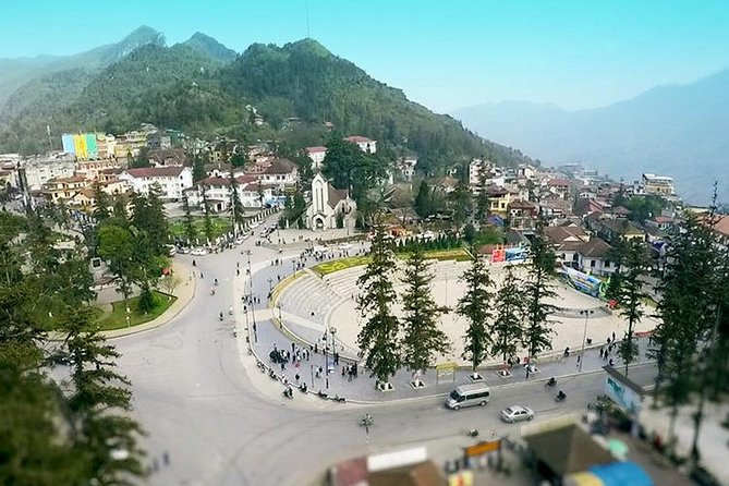 Sapa Tour 2 Days 1 Night - Hotel 3 Star With Moutain View