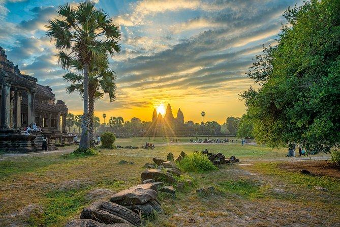 02 Day Tour, Angkor Wat, Small & Grand Tour, Sunrise, BanteaySrei, Tomb Raider