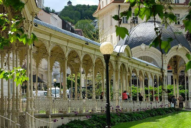Private Transfer from Prague to Karlovy Vary, English-speaking driver