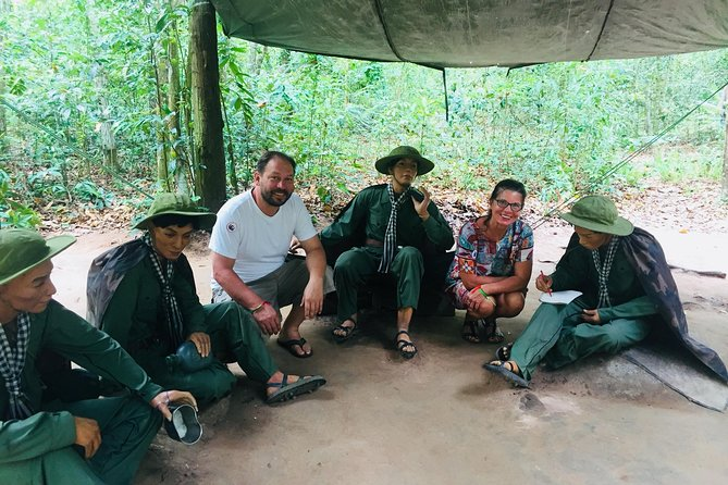 Daily Luxury Tour Small Group Cuchi Tunnels & Mekong Cruise 1day