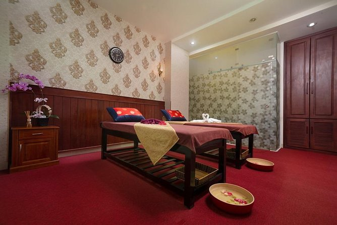 Vietnamese Herbal Massage Therapy 60 mins