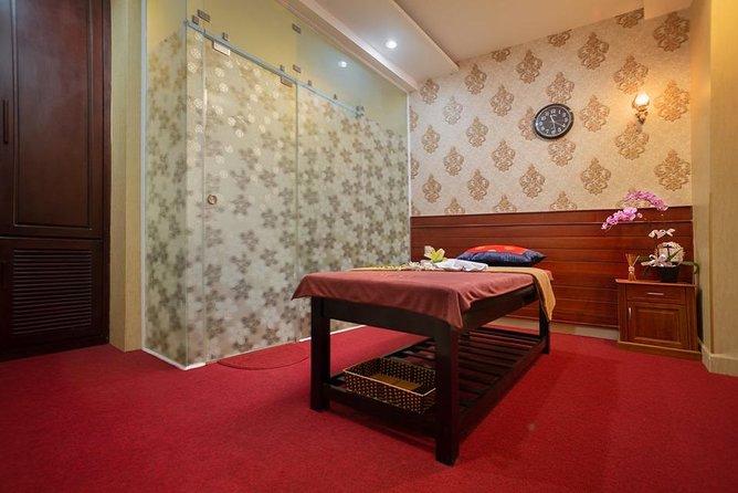 Vietnamese Herbal Massage Therapry 90 mins