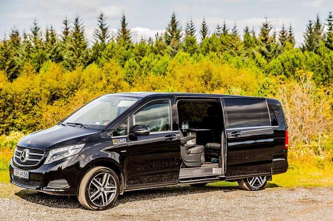Private chauffeur transport In Luxury MPV 7 pax Keflavik Airport - Reykjavik