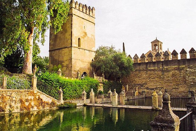 Cordoba: Fantastic tour with tickets