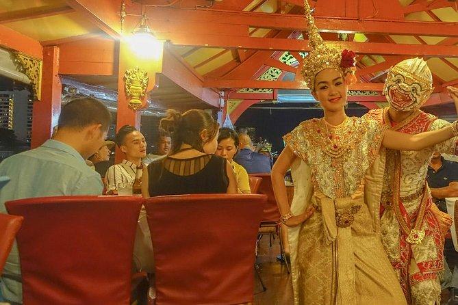 Wan Fah Chao Phraya River Dinner Cruise in Bangkok Admission Ticket