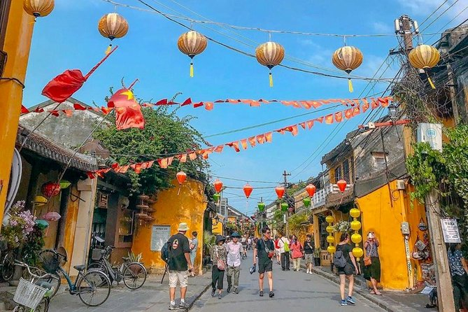 Hoi An City and Basket Boat Tour from Da Nang City