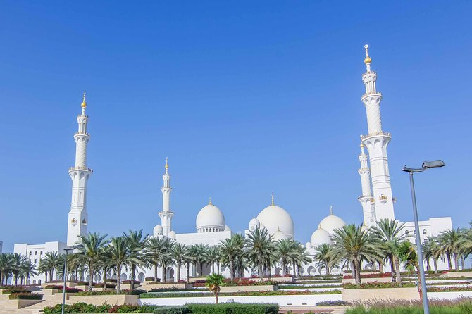 Private Abu Dhabi highlights with Louvre Museum & Grand Mosque with 5* lunch