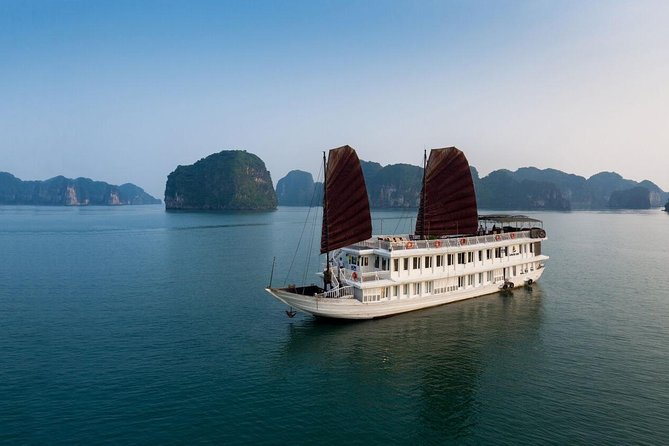 Garden Bay Legend Cruise- Bai Tu Long Bay 2 Days 1 Night