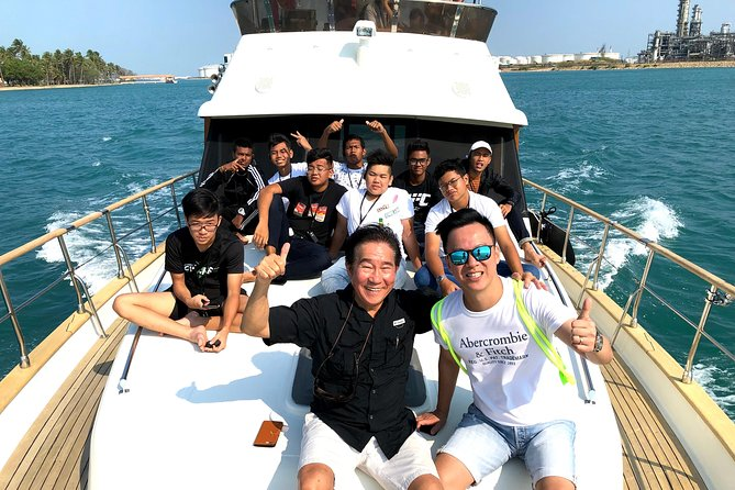 Singapore Southern Islands Yacht Guided Tour