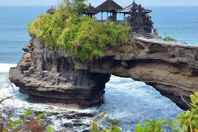 Private tour : tanah lot temple and uluwatu temple - insta spots - free wifi