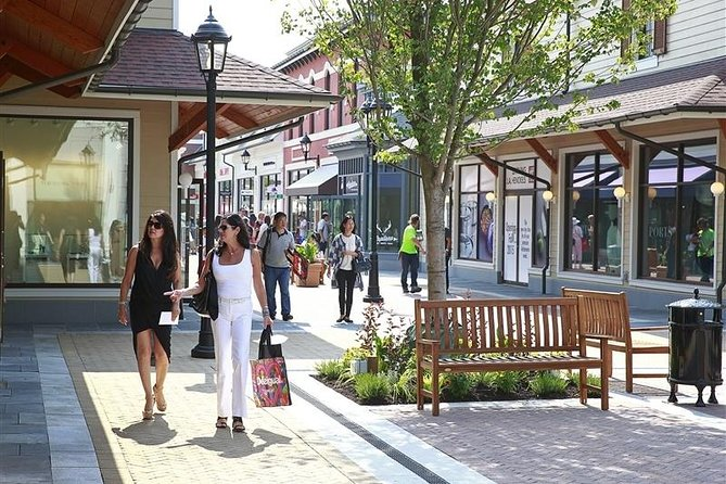 Vancouver Lay Over Shopping (Mc ArthurGlen Designer outlet Mall ) Tour Private