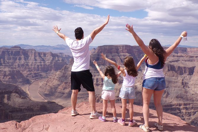 Grand Canyon Tour In Spanish With Access To Skywalk