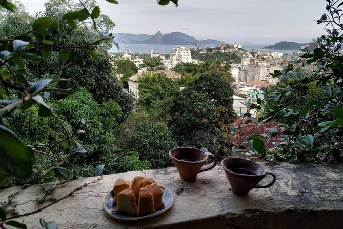 1 day in Brazilian Monmartre: Tour & Workshop (make your own souvenir)