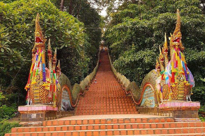 Amazing Private Tour To Doi Suthep Temple And Bua Tong Sticky Waterfalls photo 7