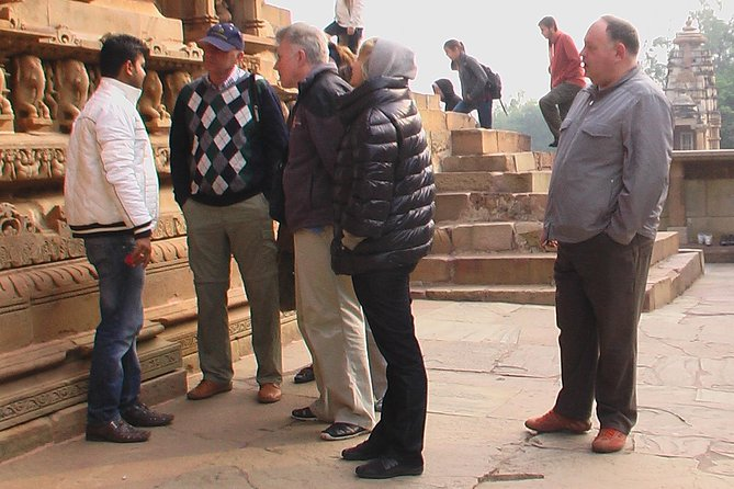 Khajuraho Temples Sightseeing By Certified Guide, Guide Tour In Khajuraho.