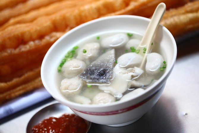Watch how Tainan's famous milkfish congee is prepared (and taste for yourself!)