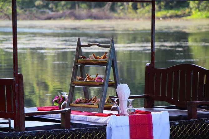 SUNSET BOAT COCKTAILS at ANGKOR THOM COMPLEX - 60mn Boat Trip with Khmer Canape