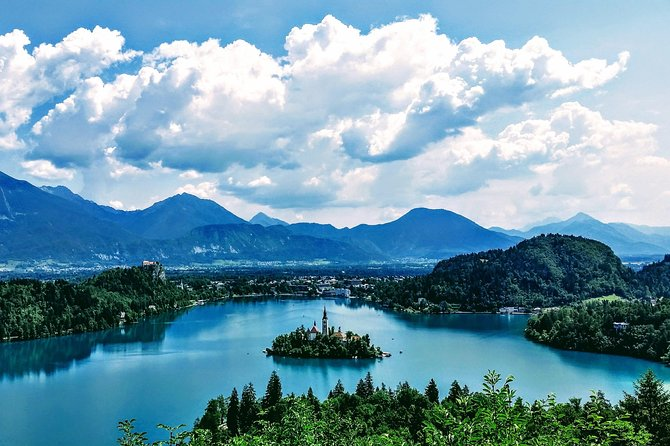 Best of SLOVENIA - Bled + Postojna + Ljubljana - Private day tour from Zagreb