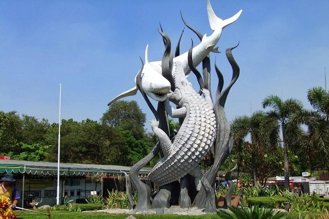 Surabaya Private Customized Full-Day Tour with English Speaking Driver