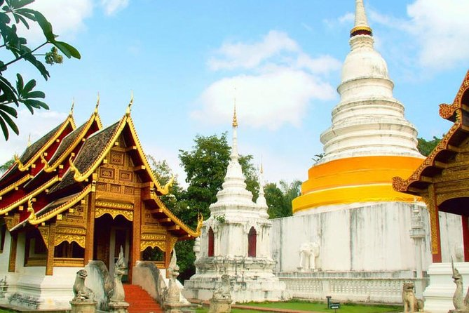 Explore City Temples & Kad Luang Local Market in Chiang Mai