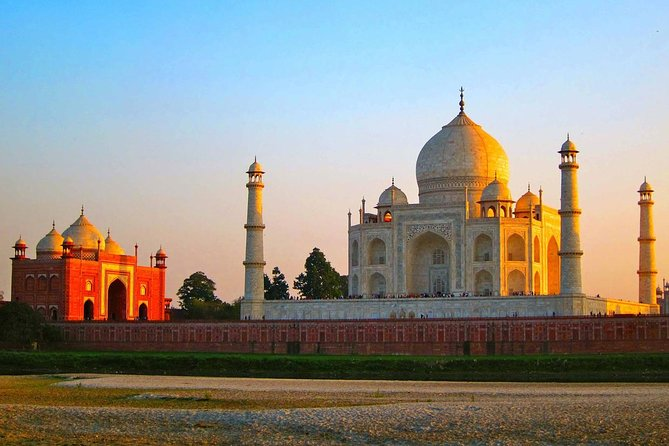 Agra SightSeeing With Fatehpur Sikri Visit