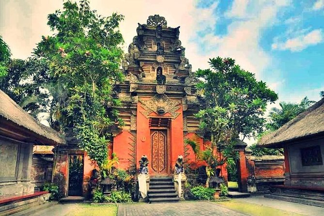 Ubud Art Villages and Tanah Lot Temple Tour (All Inclusive)
