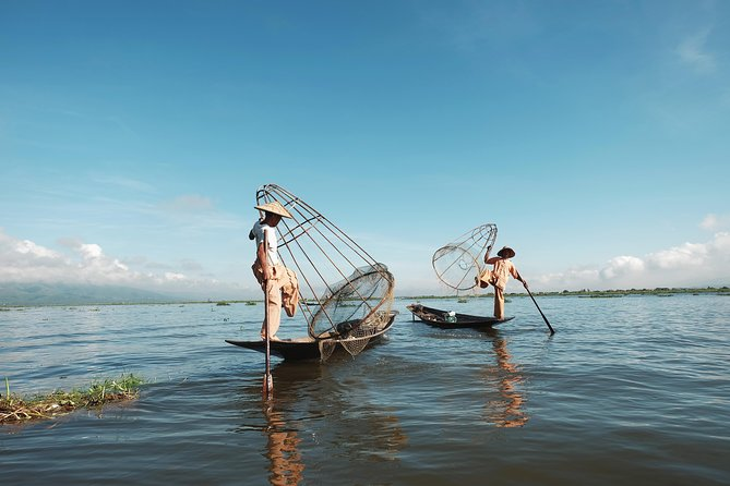 Explore the magical Inle Lake and Thaleoo village by longtail boat