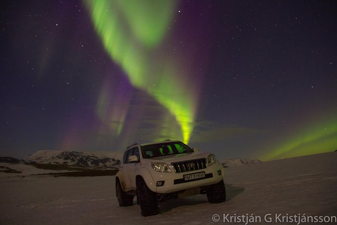 Golden Circle, Glacier & Northern Lights/Midnight sun / guided private tour