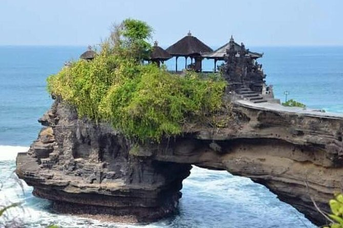 Private tour tanah lot temple and uluwatu temple - free wifi